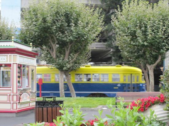 San Francisco Railway Museum: F-Train moving