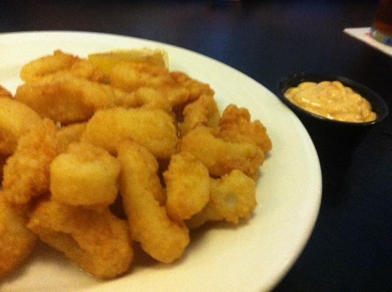 The Firkin & Fox: Calamari and dipping sauce