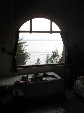 Cabanas Las Cuatro Estaciones : vista del lago desde el living