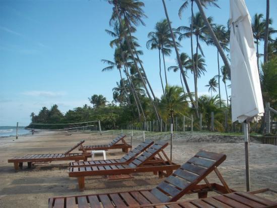 Patachocas Beach Resort: Parte da praia em frente ao resort