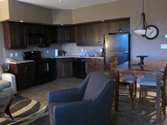 Bighorn Meadows Resort: Full Kitchen