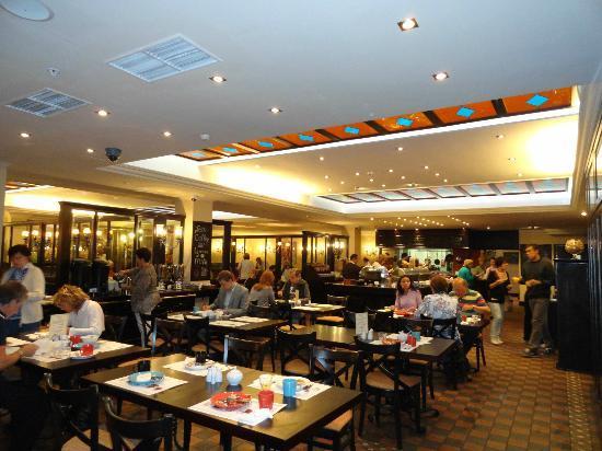 Solo Sokos Hotel Vasilyevskiy: Restaurant buffet