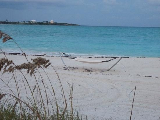 Sandals Emerald Bay Golf, Tennis and Spa Resort: Soft sand