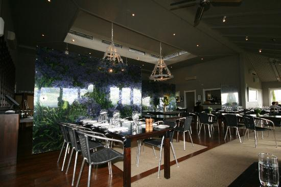 Black Barn Bistro: The restaurant, very stylish but not over the top!