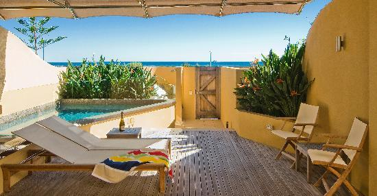 Beach Suites: Beachfront Studio with Plunge Pool