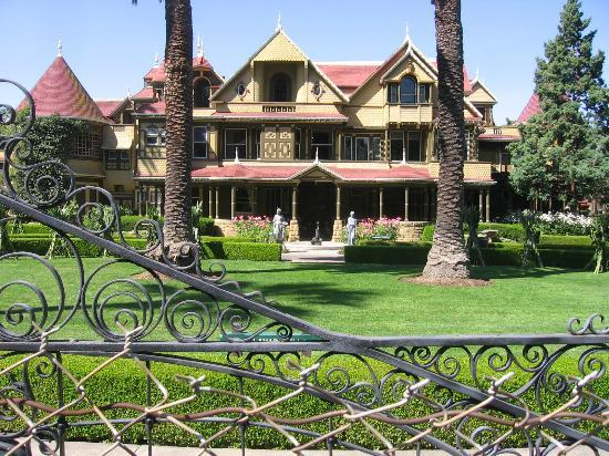 Winchester Mystery House: Exterior of Winchester House