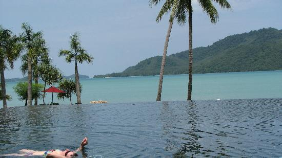 The Vijitt Resort Phuket: pool and beach