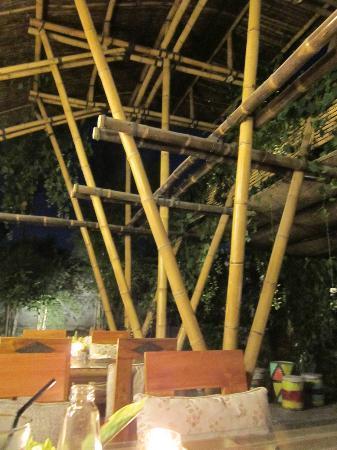 Embun Life Cafe: bamboo