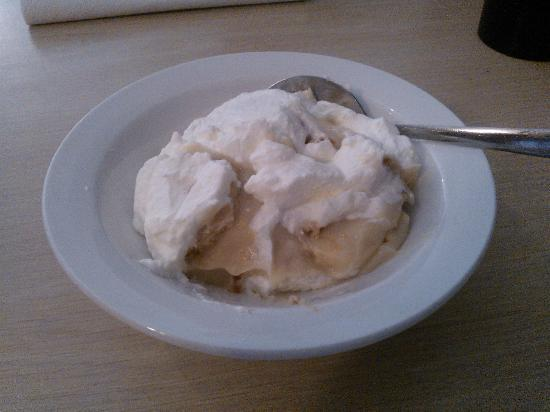 Bonnie C's: Banana pudding....