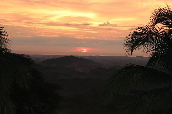 Los Altos de Eros: Amazing sunset views every night.