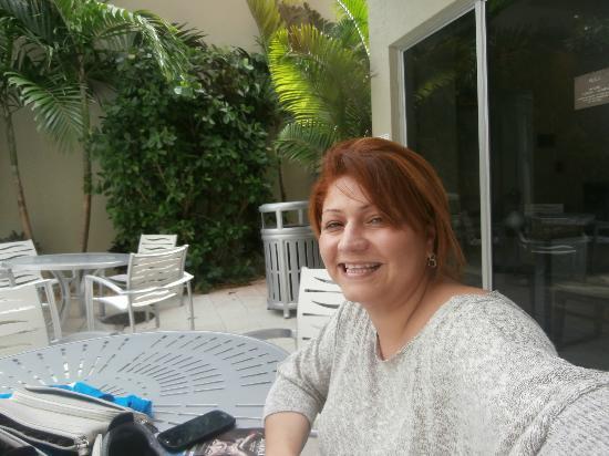Comfort Suites Miami Airport North: area piscina