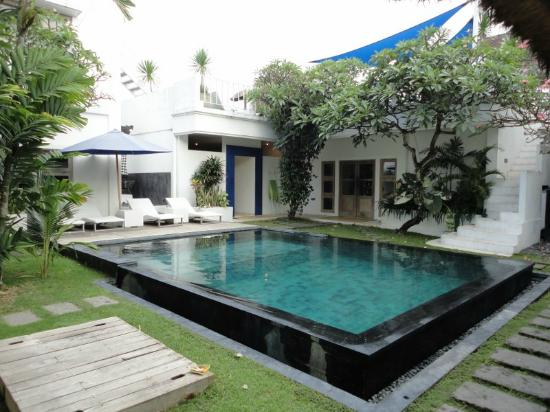 The Island Hotel: Pool