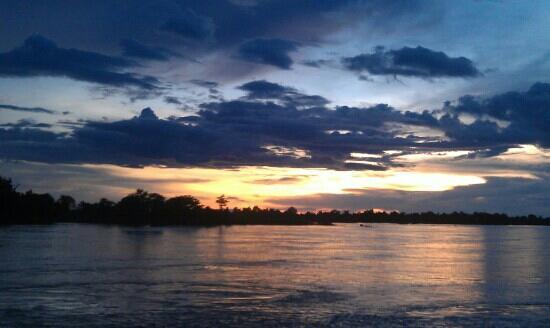 Si Phan Don: sunset