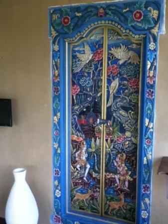 Villa Mimpi Manis Bali: Nice balinese door 2