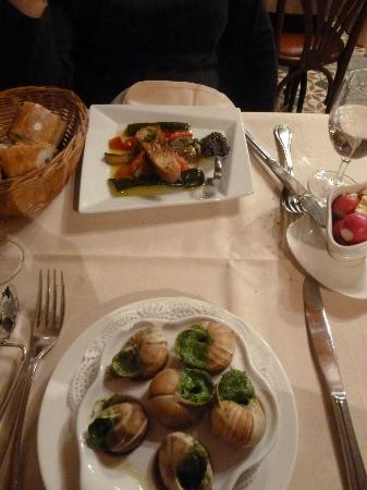 Mains picture of roger la grenouille paris tripadvisor for Roger la grenouille paris