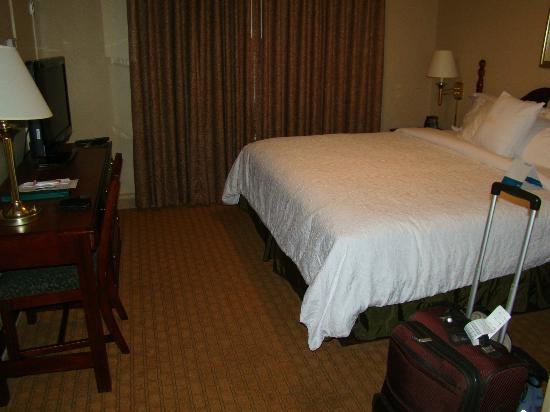 Homewood Suites by Hilton Charlotte Airport: Comfortable bed