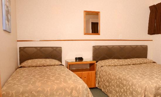Amber Court Motel : One Bedroom Unit