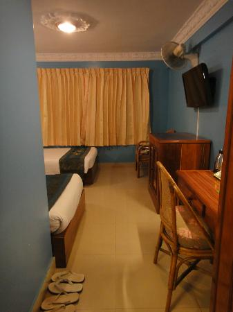 MotherHome Guesthouse: When I opened my room..voila!