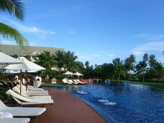 Sofitel Krabi Phokeethra Golf & Spa Resort: nice pool