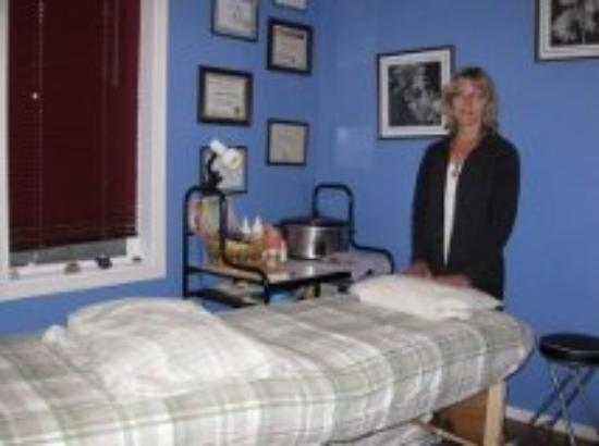 Mars Magic Touch Day Spa : Marlene in her treatment room
