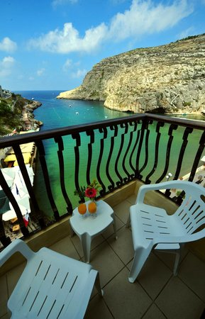 San Andrea Hotel: Xlendi bay view from balcony