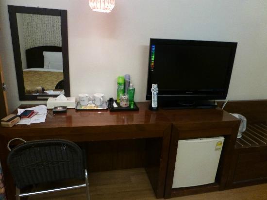 M. Biz Hotel: テレビ