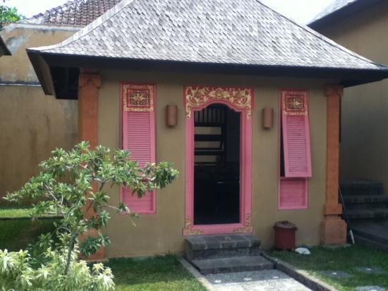 Villa Mimpi Manis Bali: Kitchen house