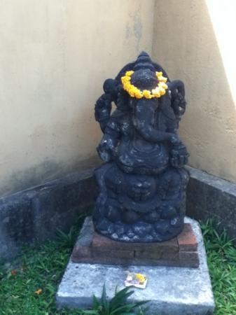 Villa Mimpi Manis Bali: Statue