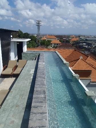The Spot Legian: Part of the roof top pool