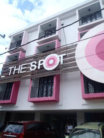 The Spot Legian: The Spot from the street