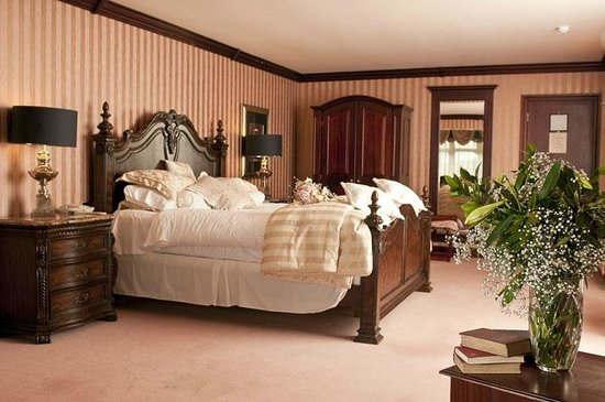 Devon Inn Hotel: Bedroom
