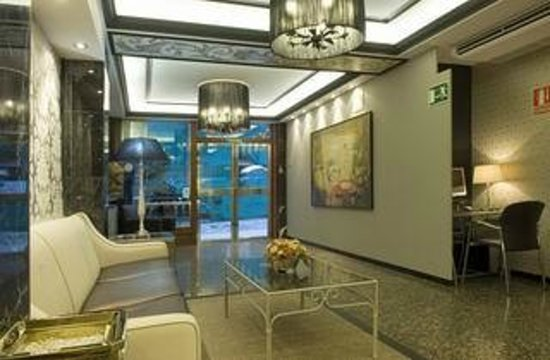 Hotel Sacromonte: RECEPCION