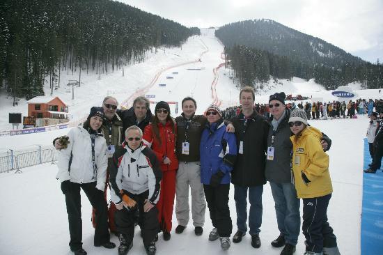 Kempinski Hotel Grand Arena: friends at the gondola lift