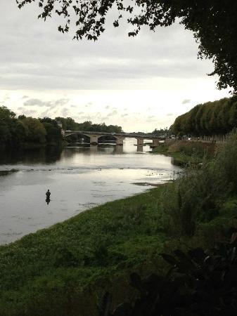 Hotel Diderot: The Vienne River in Chinon