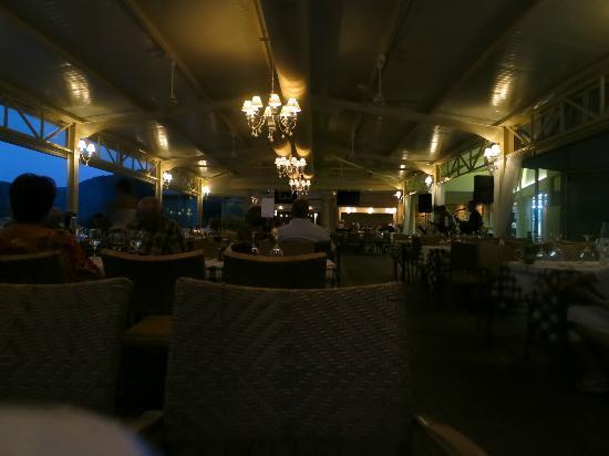 Parga Beach Resort: Abends im Restaurant am Strand