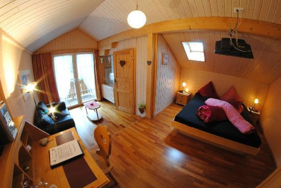 Chalet-Hotel Adler: Doppelzimmer mit ausfahrbarer Whirlwanne