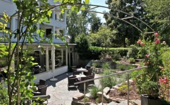 Waldhotel Bad Soden: Gartenterrasse