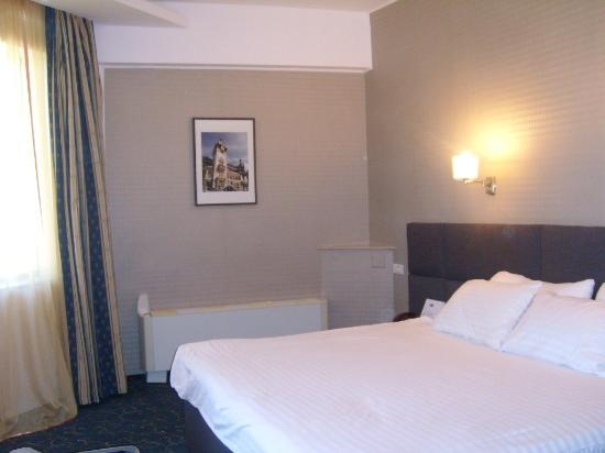 Crystal Palace Hotel: Double room