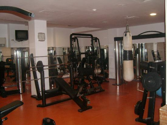 Crystal Palace Hotel: Fitness room
