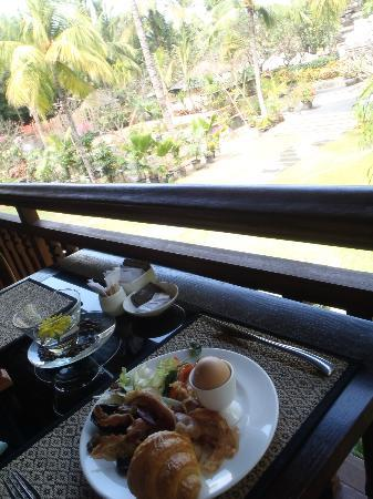 Padma Resort Legian: yumm breakfast