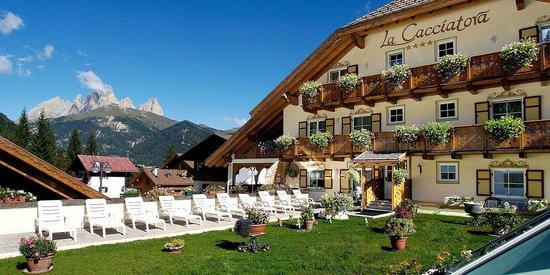 Hotel la Cacciatora Wellness & Beauty: Hotel La Cacciatora Alba Canazei estate val di fassa