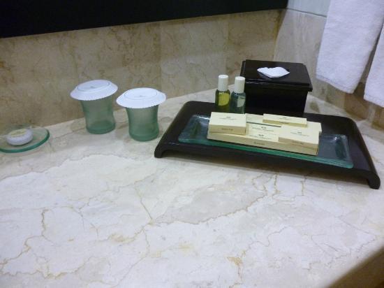 Hotel Santika Premiere Jogja: toiletries