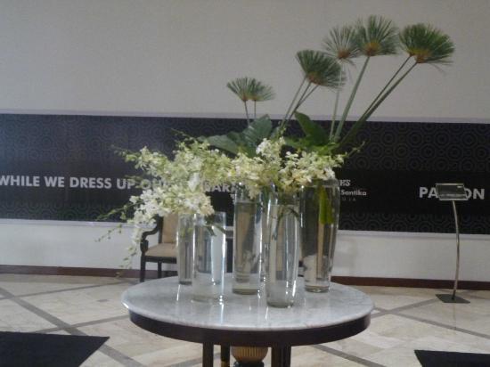 Hotel Santika Premiere Jogja: lobby
