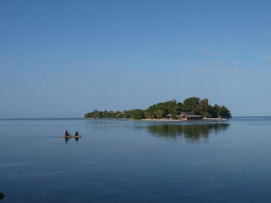 Troppo Mystique: The view across the lagoon to the restaurant