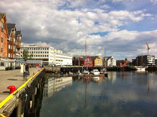 Clarion Collection Hotel With: Passeggiata dall'albergo lungo il porto