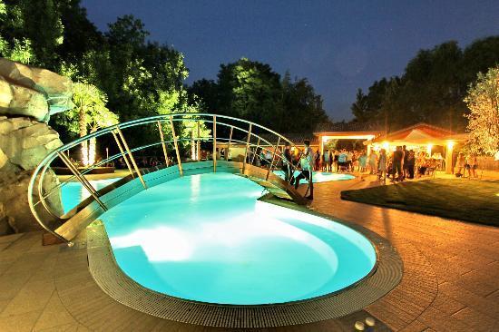 Al Giardino : piscina notturna
