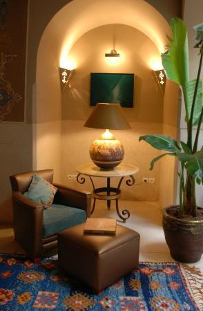 Riad Camilia: Nice place to read a book