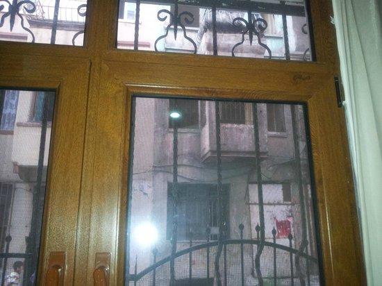 Hot Suites Taksim:                                     Exterior de la calle                                   