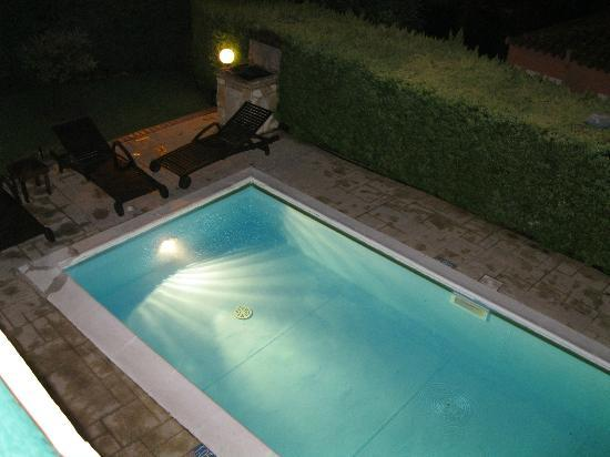 St.John Resort Hotel Villas Suites & Spa: Pool by night