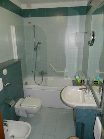 Albergo Cesari: Bathroom